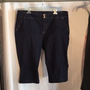 """7b02b6be68405 Capri jeans blue size 20w and 18""""inseam worn once"""
